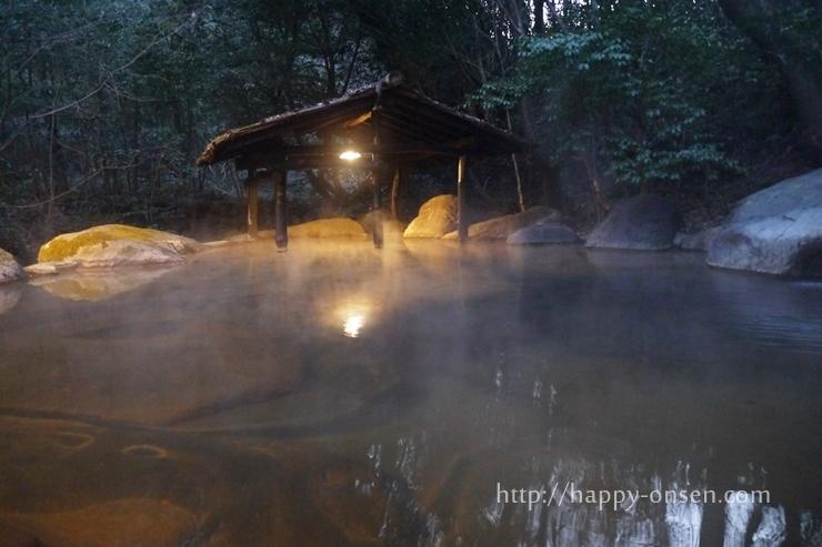 黒川温泉旅館山河露天風呂四季の湯