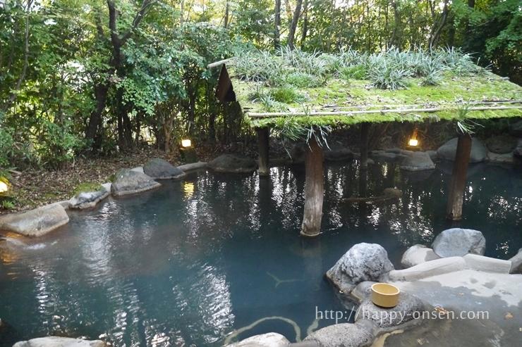 黒川温泉こうの湯露天風呂森の湯